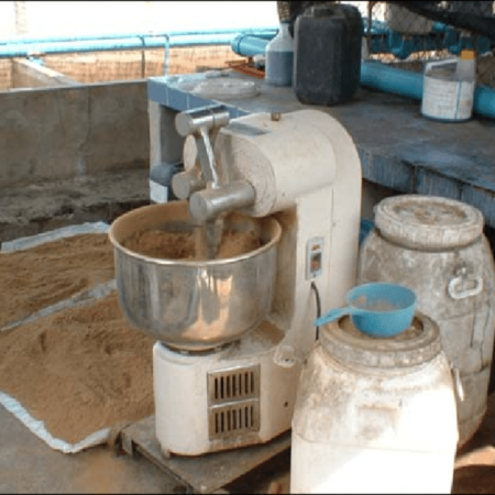 Automatic-hormone-feed-mixing-machine